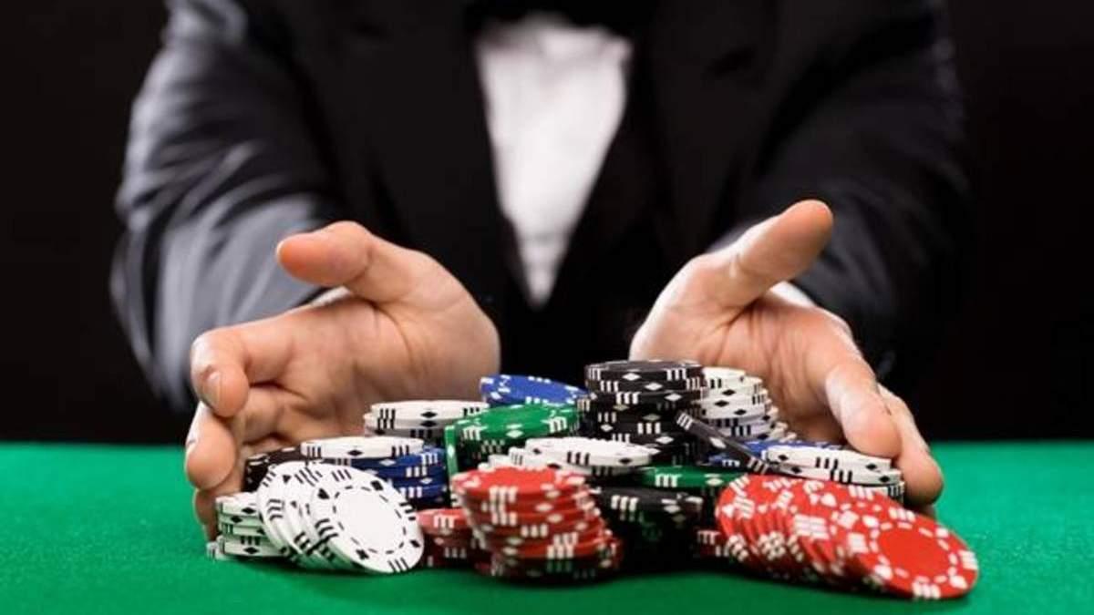 Математика покера: как играть в турнирах с различными размерами стека