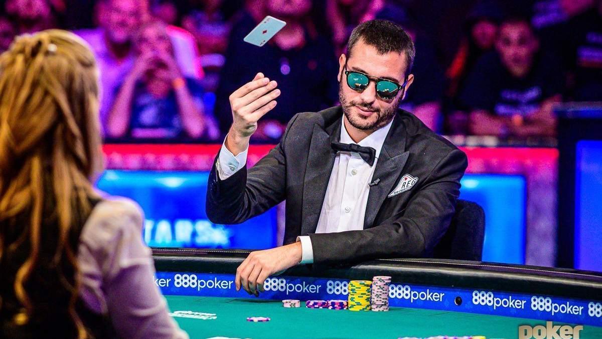 Брутальный итальянец стал героем покерного фото года