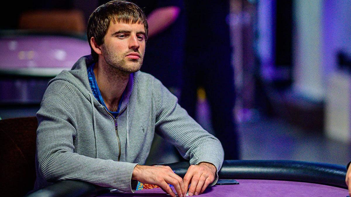 Математика + покер = визнання: доведено Метью Ештоном