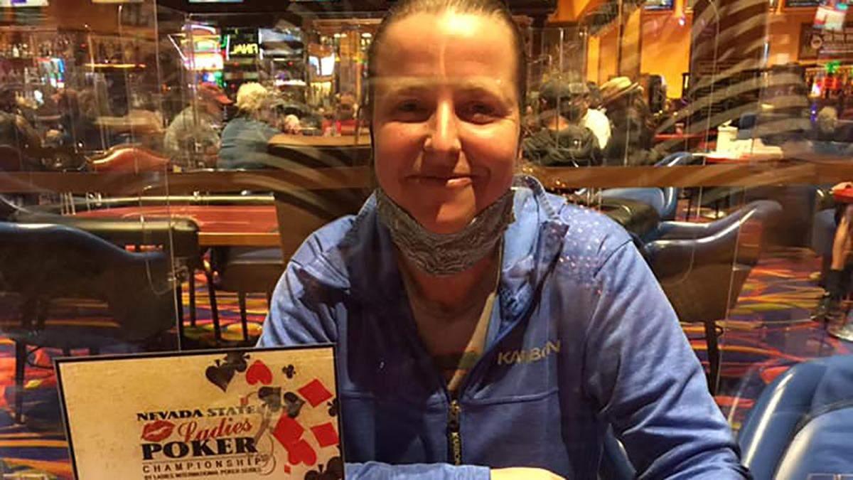 Американка виграла покерний турнір, попиваючи міцні коктейлі