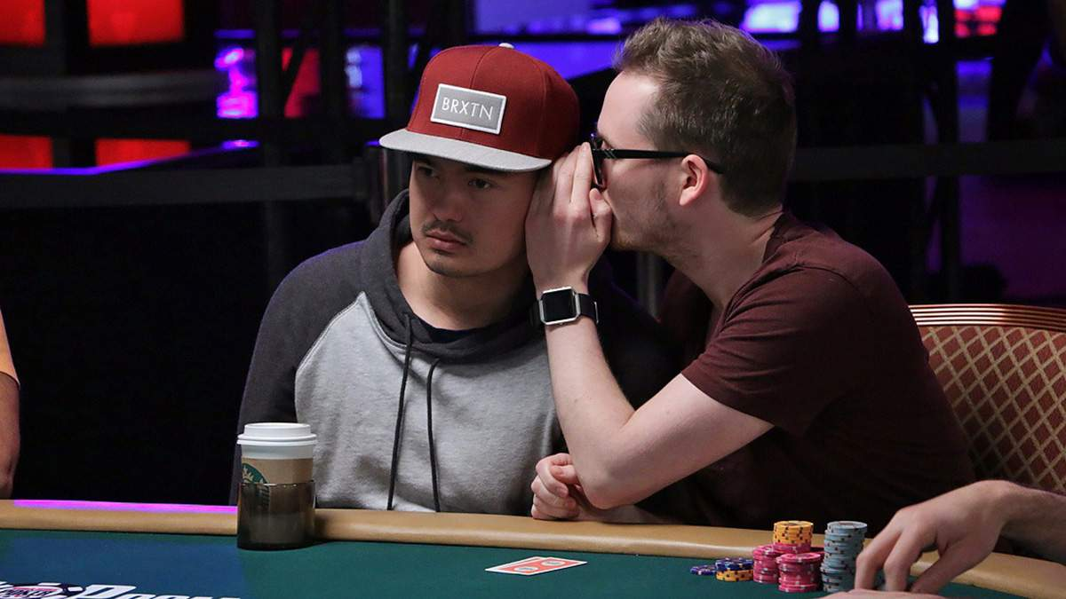 Сліпий норвезький покерист стрімить в інтернеті