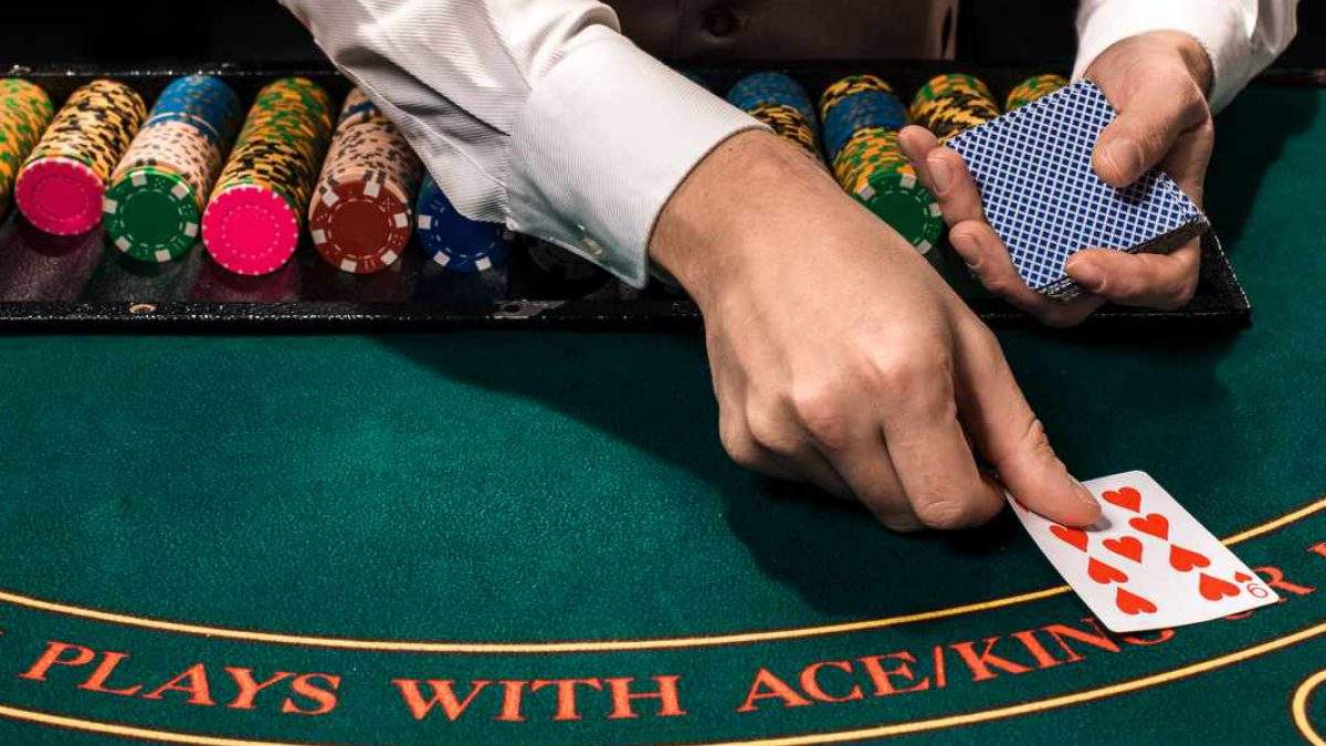 В Великобритании откроют покерную академию