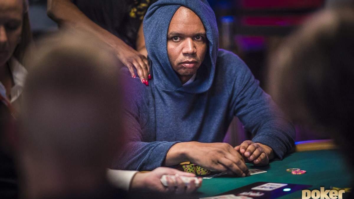 """""""Купи NFT-токени — зіграй в покер на яхті"""": акція від Філа Айві"""