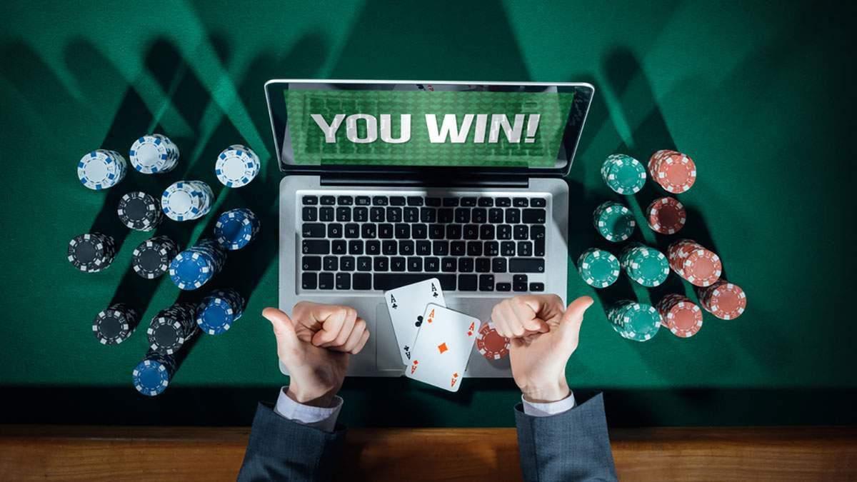 Угорець виграв чверть мільйона доларів в зірковій компанії покеристів - Покер