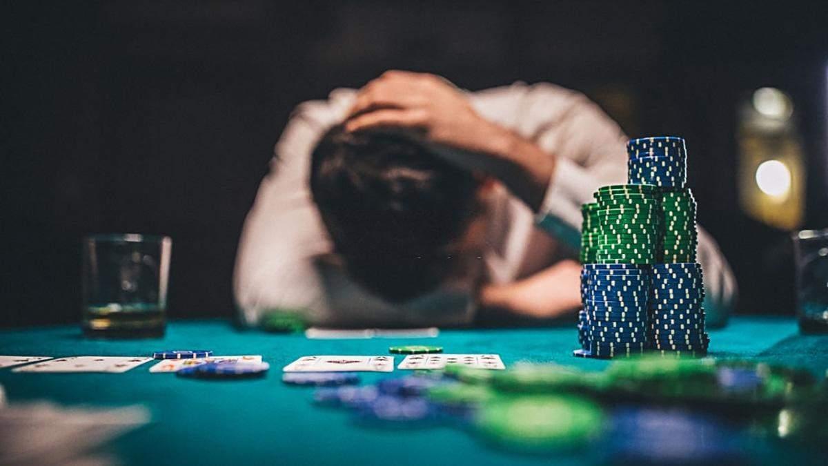 Ирландец проиграл 500 тысяч долларов с карманными тузами - Покер