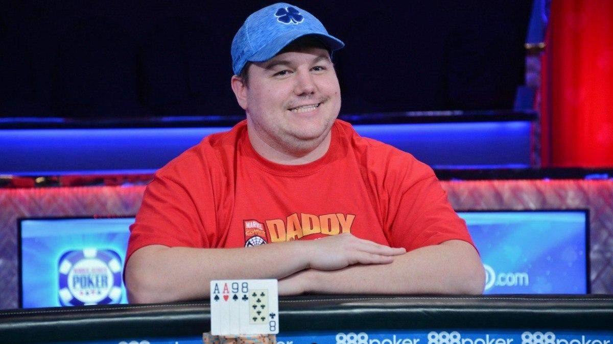 Сколотити грошей на старій колекції: титулований покерист Шон Діб почав продавати відеоігри - Покер