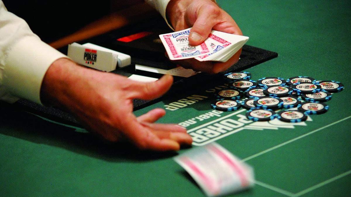 Дилер ледве не став співучасником злочину на Світовій серії покеру