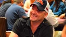 Покерний шахрай хоче відсудити 330 млн доларів, але адвокати відмовляються йому допомогти