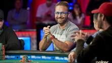 """385 тысяч """"баксов"""" за вечер: в битву покерных миллионеров возвращается интрига"""