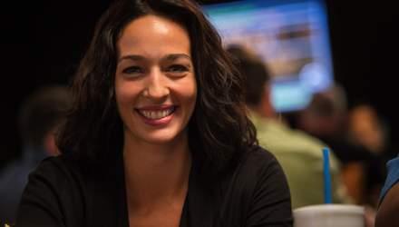 Як поєднати успішну кар'єру на телебаченні з любов'ю до покеру: рецепт неперевершеної Кари Скот