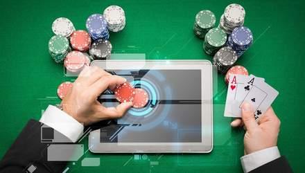 Покер для тех, кто любит опаздывать: преимущества и недостатки поздней регистрации