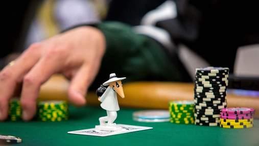 """Покерні забобони: """"охоронець карт"""""""